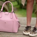 Que no falte un bolso rosa!